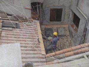 Travaux en hauteur-cordiste-maçonnerie -toiture-tuiles-génoise-réparation