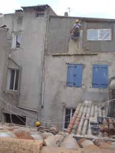 Travaux en hauteur-cordiste-maçonnerie-façade-enduit-crépit-ravalement-rénovation